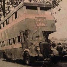 Auntie Dede Double decker bus
