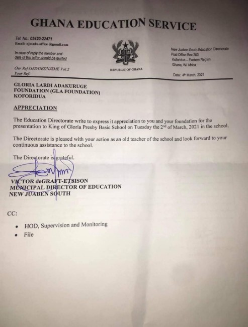 Gloria Lardi: GES Shows Appreciation To Female Teacher For Using Her Salary To Buy Bags, Uniforms, Shoes For Her Pupils