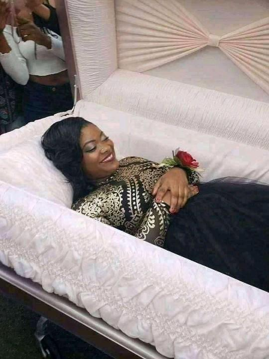 Lady goes viral as she takes her pre-burial photos